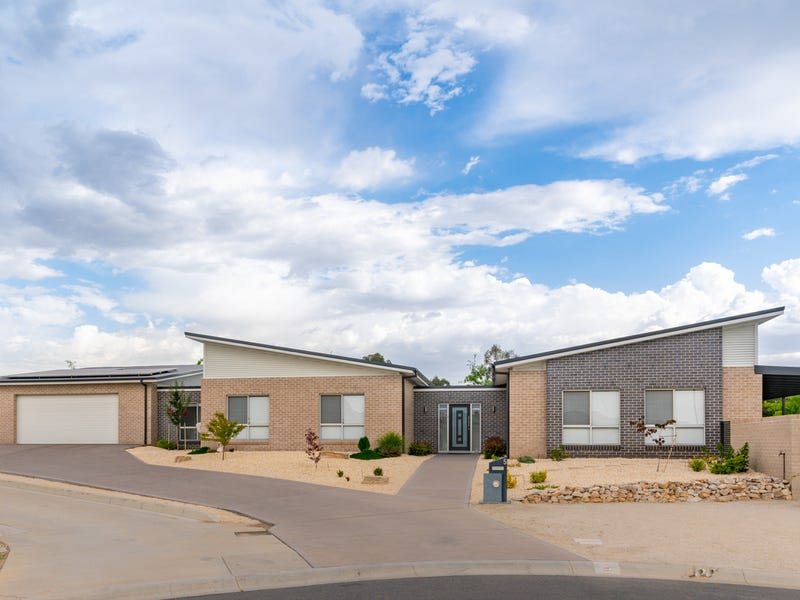 5 O'FARRELL PLACE, Kelso, NSW 2795