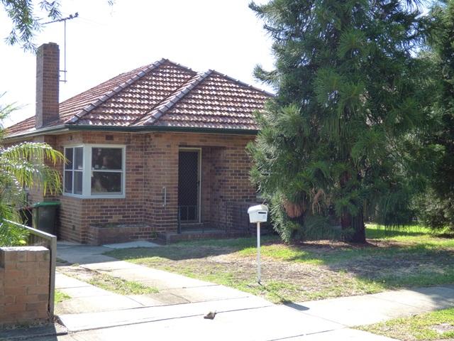 8 SAXON STREET, Belfield, NSW 2191