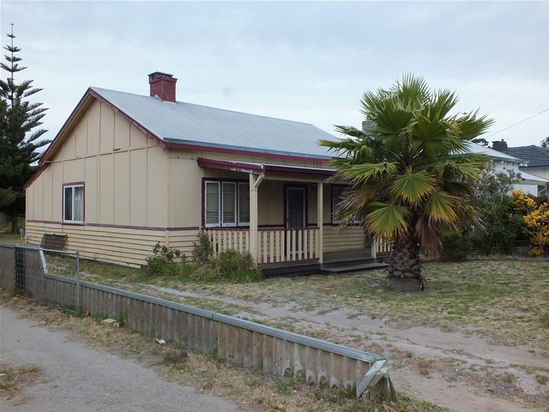 8 Young Street, Centennial Park, WA 6330