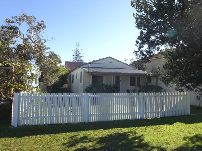 9 Ford St, Red Rock, NSW 2456