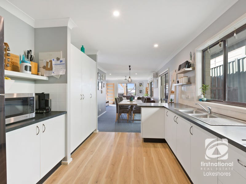 79 Catherine Street, Mannering Park, NSW 2259