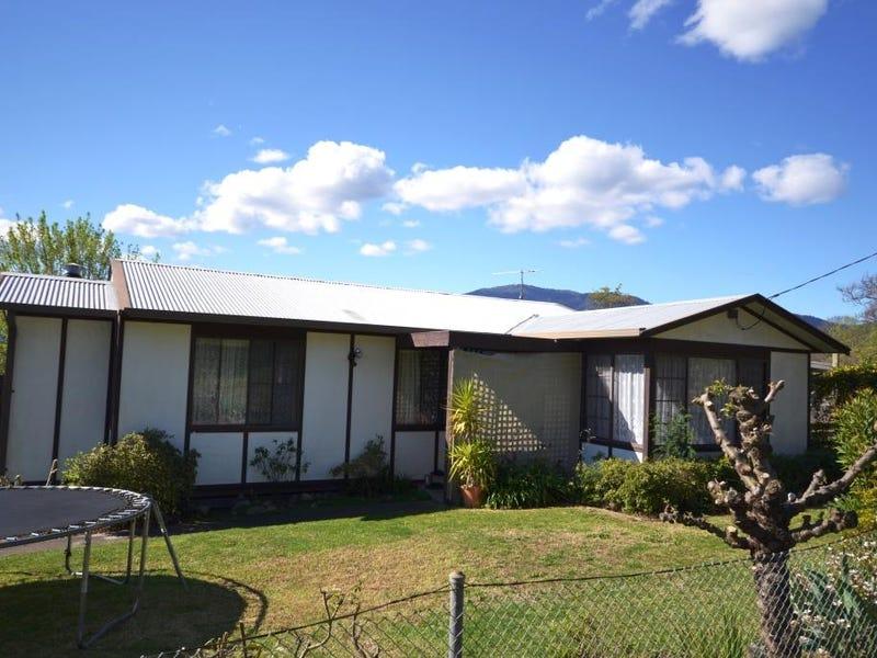 26  Fairway Avenue, Mount Beauty, Vic 3699