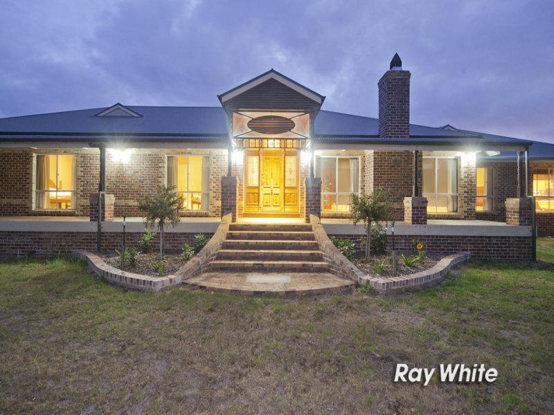 10 Hillcrest Drive, Langwarrin, Vic 3910