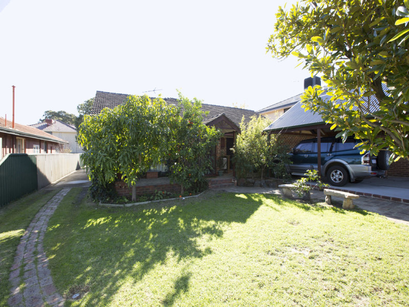 21 Beveridge Street, Bentley, WA 6102