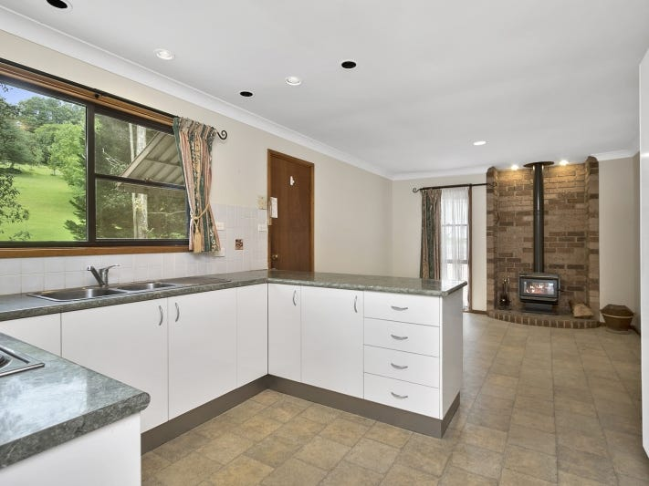 2 Frederick Place, Kurrajong Heights, NSW 2758