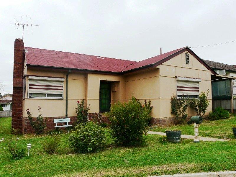 4 Moodie Place, Bathurst, NSW 2795