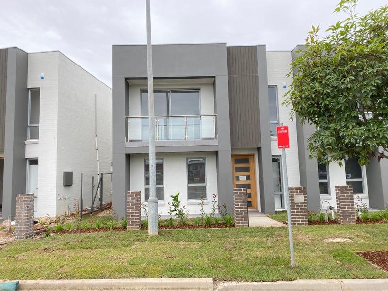 215 South Circuit, Oran Park, NSW 2570
