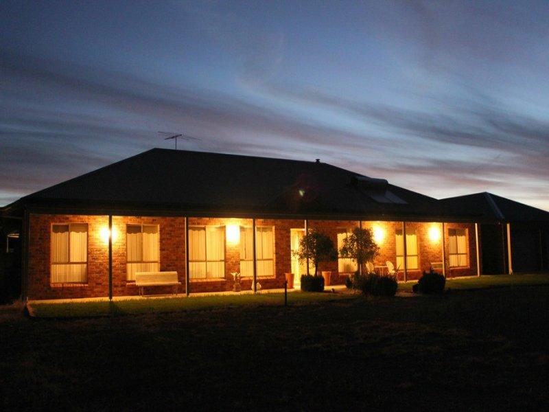 59 Bartondale Rd, Temora, NSW 2666