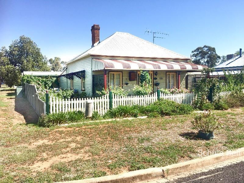 17 Goan St, Trangie, NSW 2823
