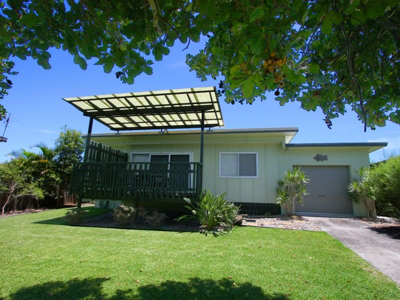 6 Poinsettia Crescent, Brooms Head, NSW 2463