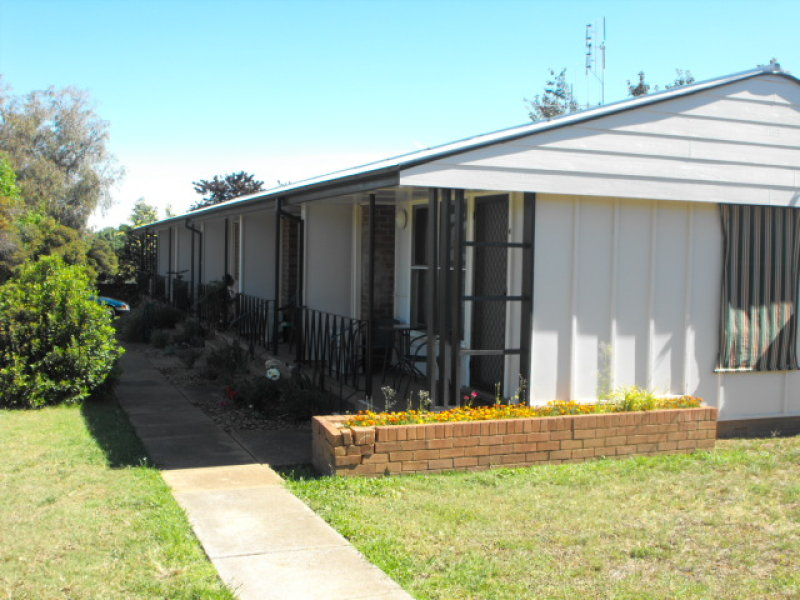 13 Orange Street, Parkes, NSW 2870