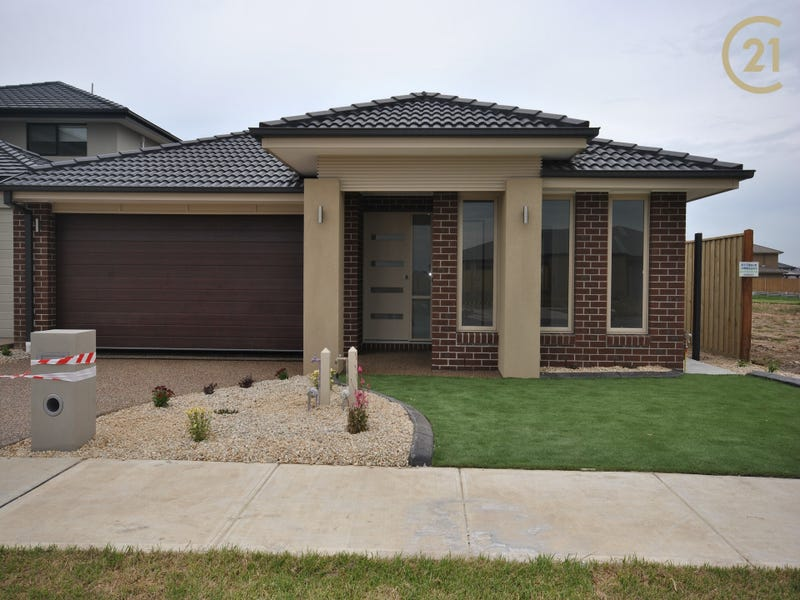 32 Speargrass Close, Clyde North, Vic 3978
