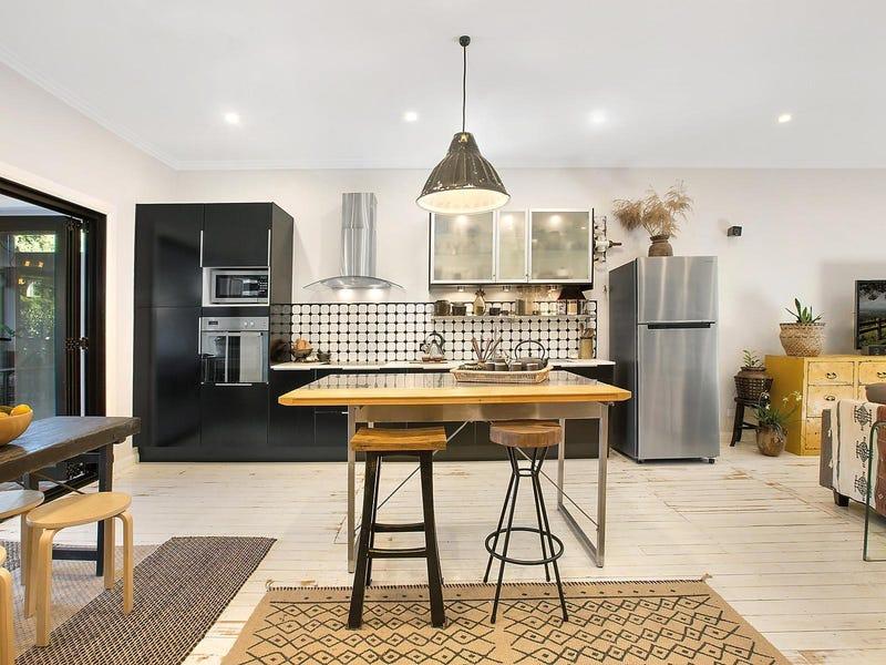 33 Ocean Street, Mount Saint Thomas, NSW 2500