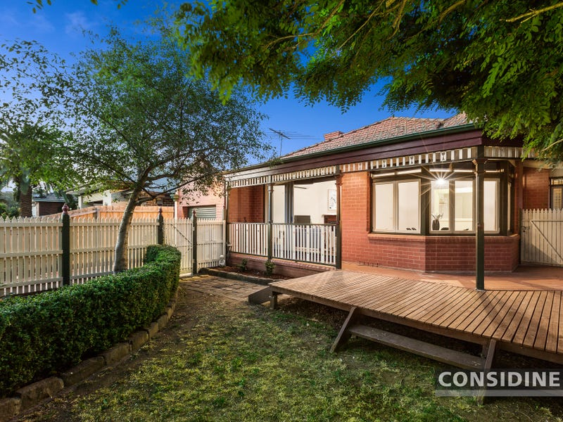 1/25 Wallace Crescent, Strathmore, Vic 3041
