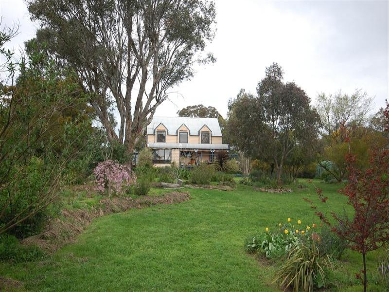 """140 """"Rivendell"""" Invergowrie Road, Armidale, NSW 2350"""