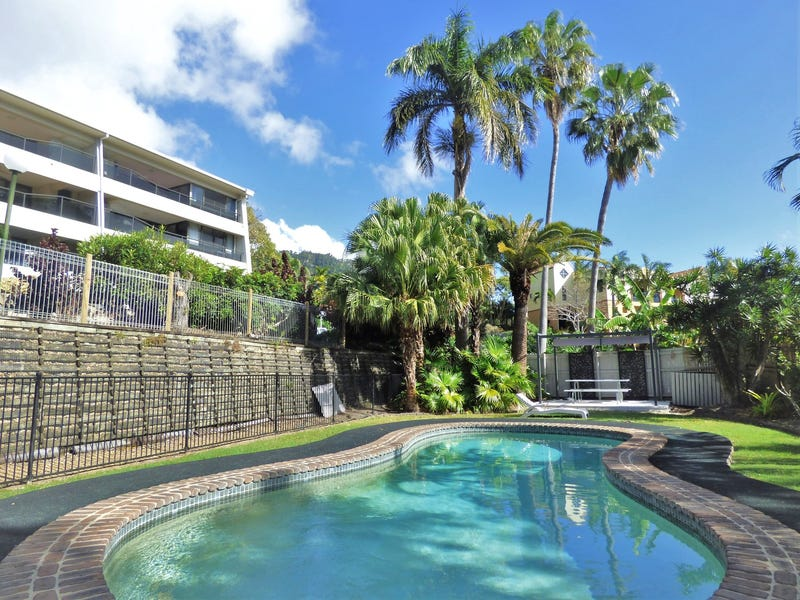 106/2 Eshelby Drive, Cannonvale, Qld 4802
