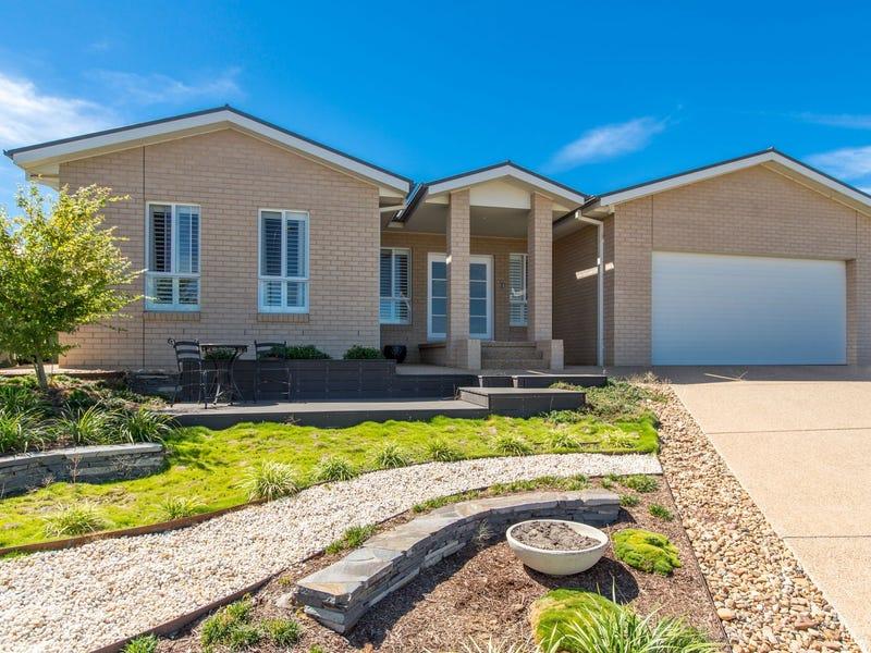 18 Comet Place, Estella, NSW 2650