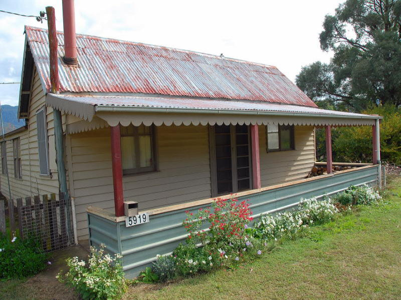 5919 Main Road, Araluen, NSW 2622