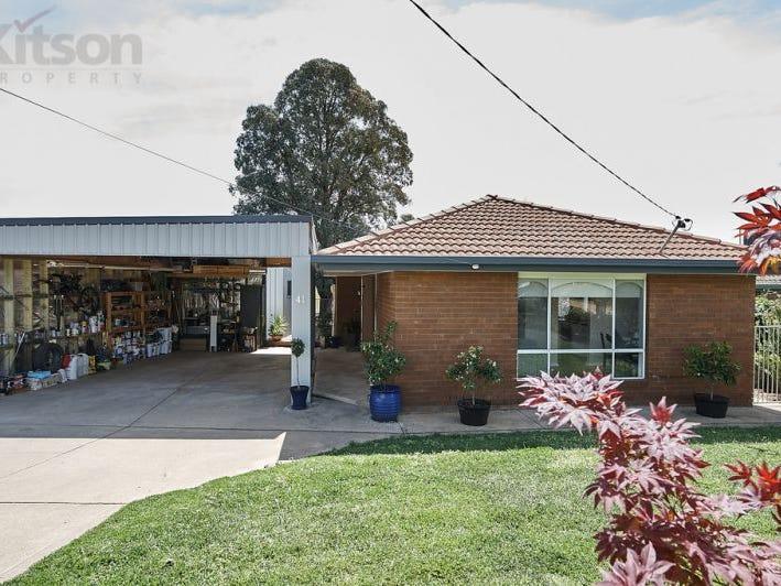 41 Maple Road, Lake Albert, NSW 2650