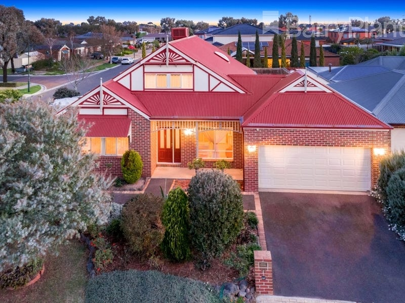 32 Aviemore Way, Point Cook, Vic 3030