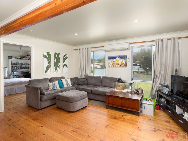 594 Settlement Road, Cowes, Vic 3922