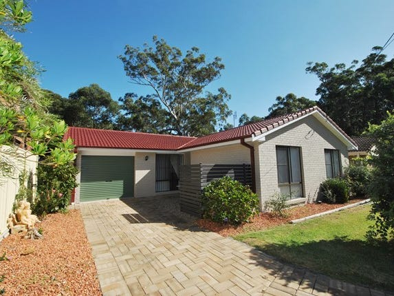 17 Lakeshore Parade, Sussex Inlet, NSW 2540