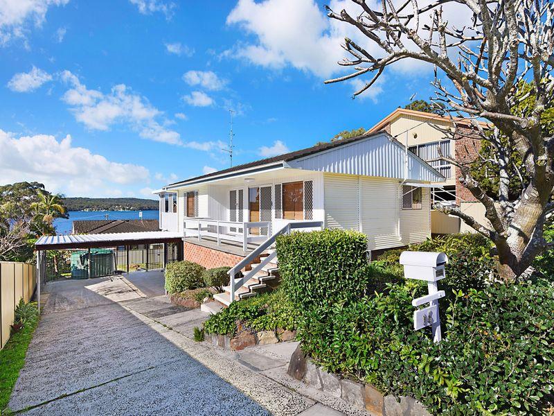 16 Winbin Crescent, Gwandalan, NSW 2259