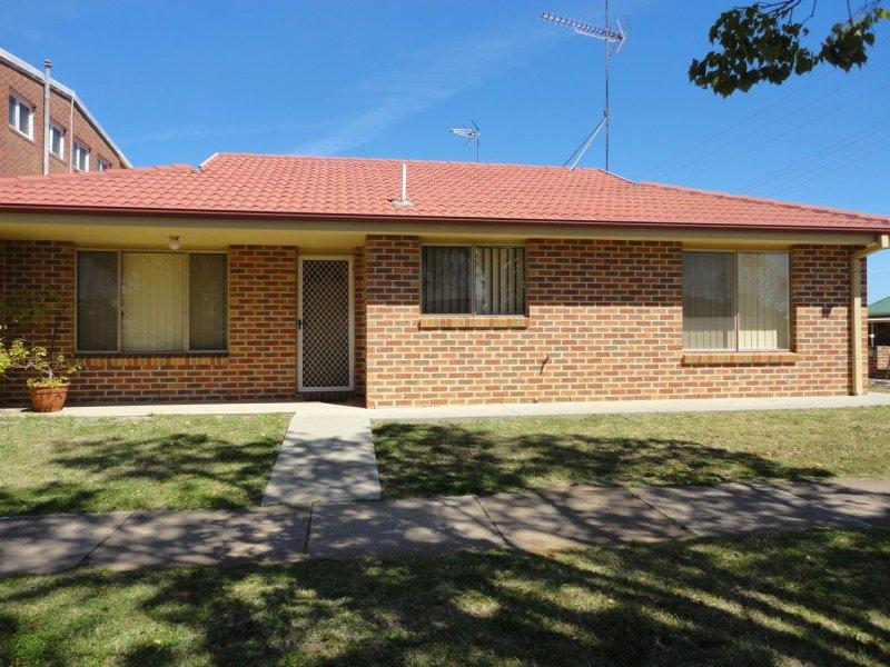 1/90 Parkes Street, Temora, NSW 2666