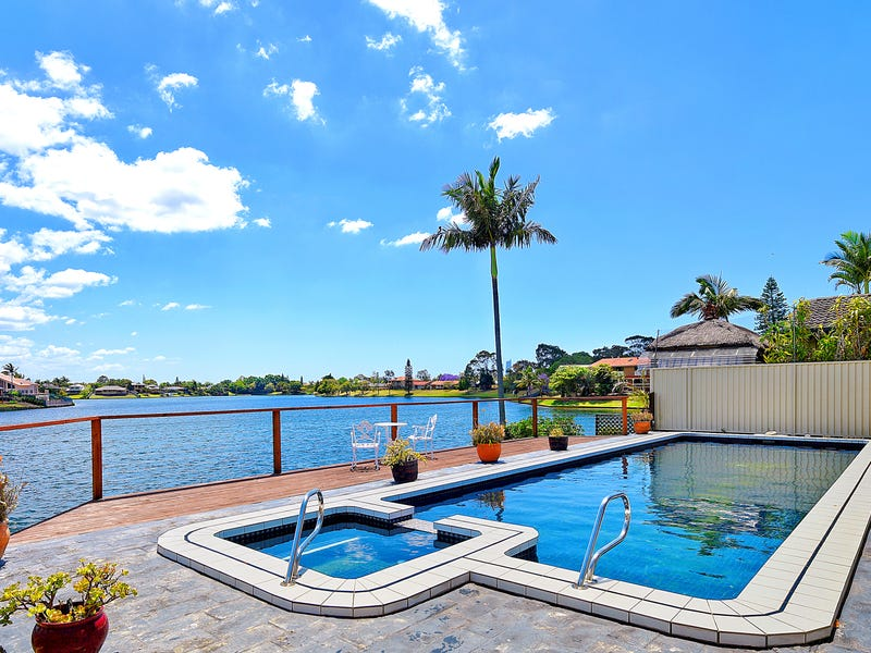 31 Barrier Reef Drive, Mermaid Waters, Qld 4218