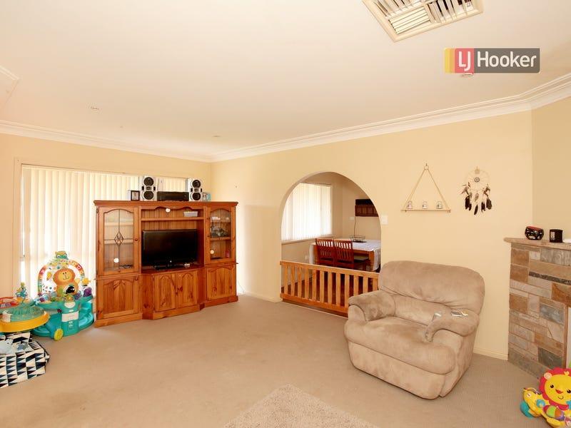 16 Kennedy Avenue, Kooringal, NSW 2650