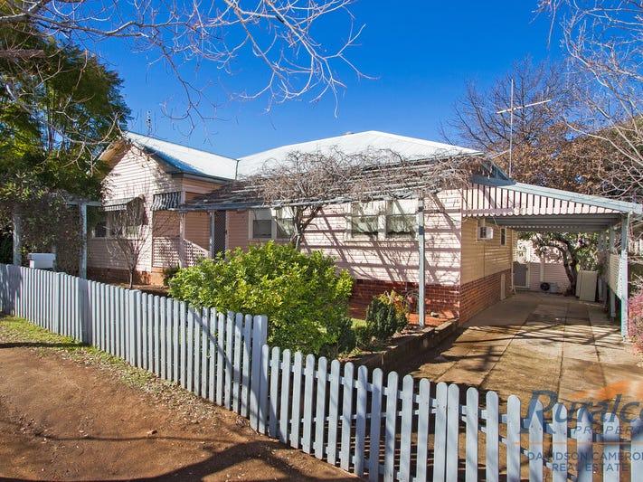 11 Russell Street, Tamworth, NSW 2340