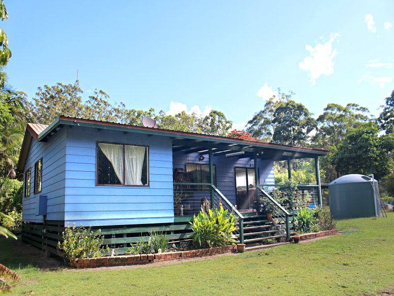 381  WILLIAMS ROAD BENARKIN, Blackbutt, Qld 4306