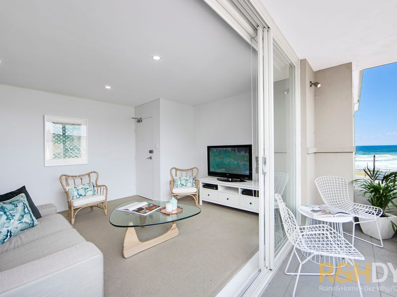 8/64 Carrington Parade, Curl Curl, NSW 2096