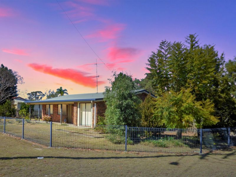14 Nowland Street, Chinchilla, Qld 4413
