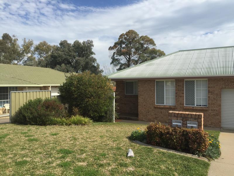 1/17 Charles Coxen Close, Tamworth, NSW 2340