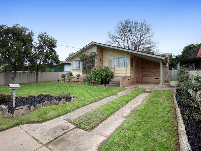 17 Menzies Avenue, Kooringal, NSW 2650