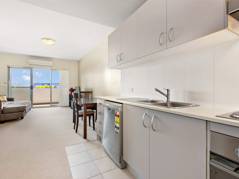 310/215-217 Pacific Highway, Charlestown, NSW 2290