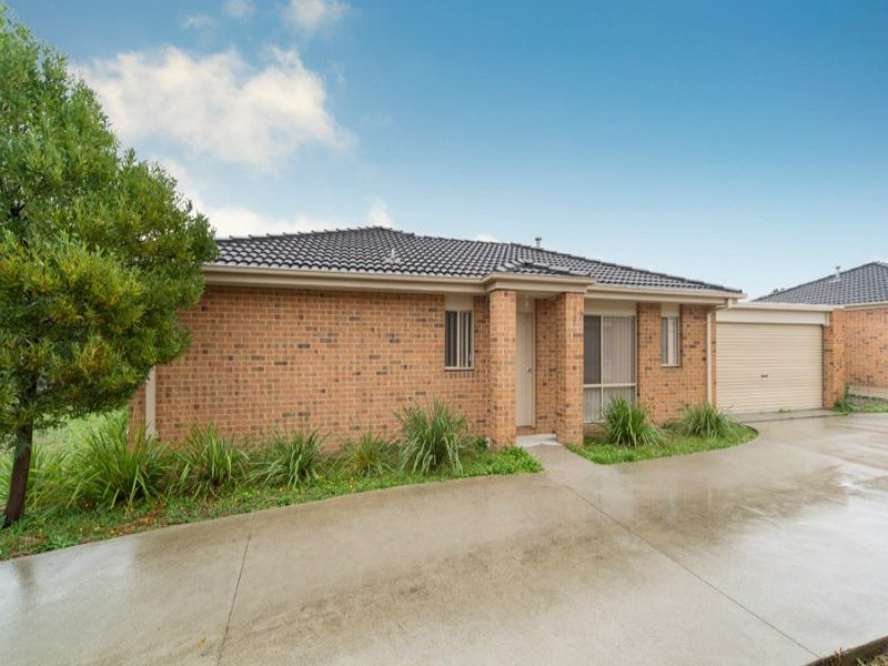 2/8 Murray Court, Cranbourne, Vic 3977