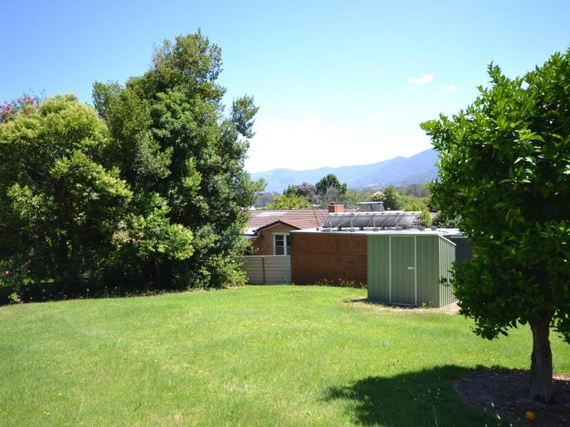 11 Fairway Avenue, Mount Beauty, Vic 3699
