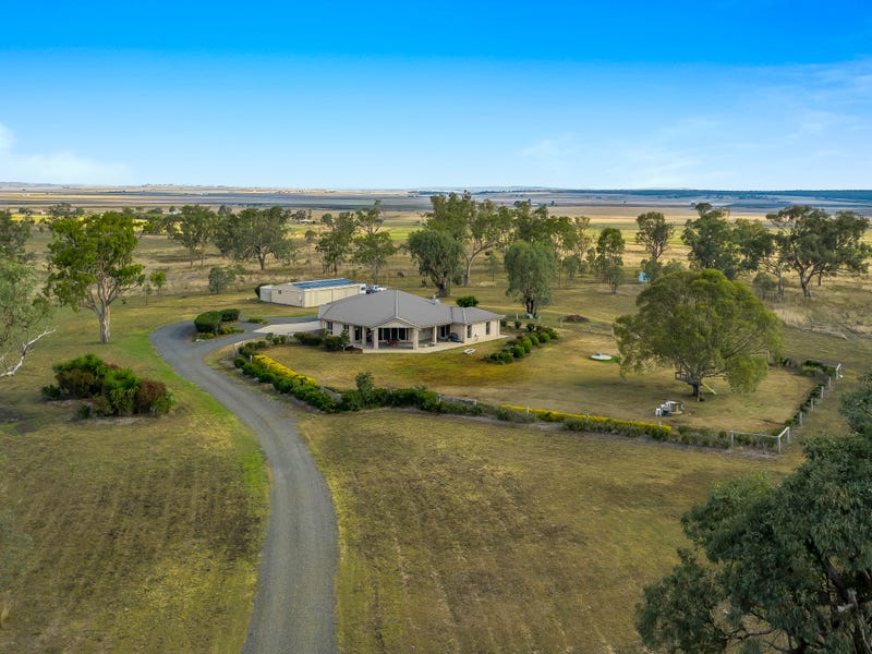 131 Clifton-Pittsworth Road, Mount Molar, Qld 4361