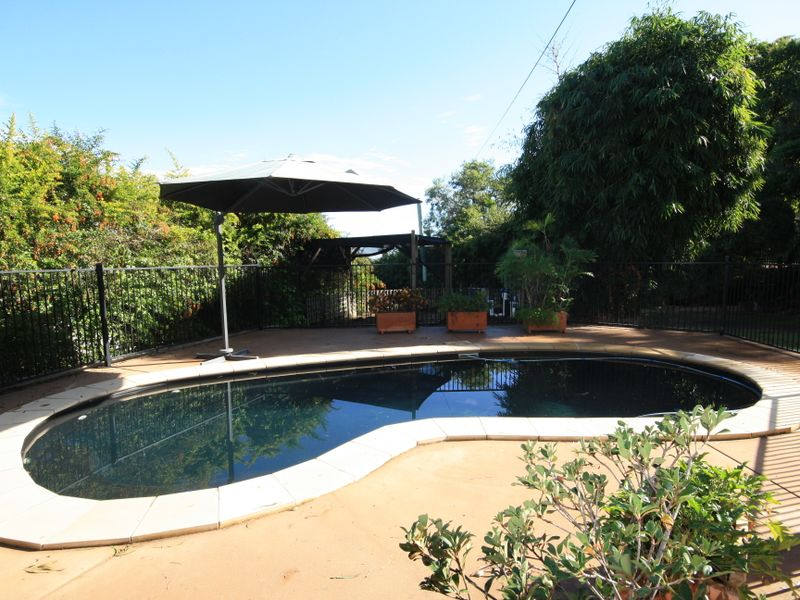 11 Coolongolook Close, West Gladstone