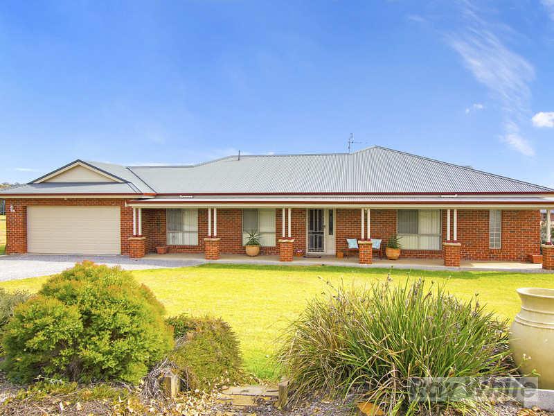 5 Benarkin Drive, Moore Creek, NSW 2340