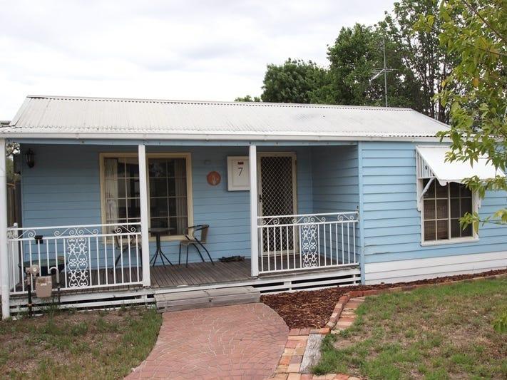 7 Bent Street, Tocumwal, NSW 2714