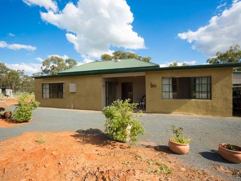 60 Cullen St, Pleasant Hills, NSW 2658