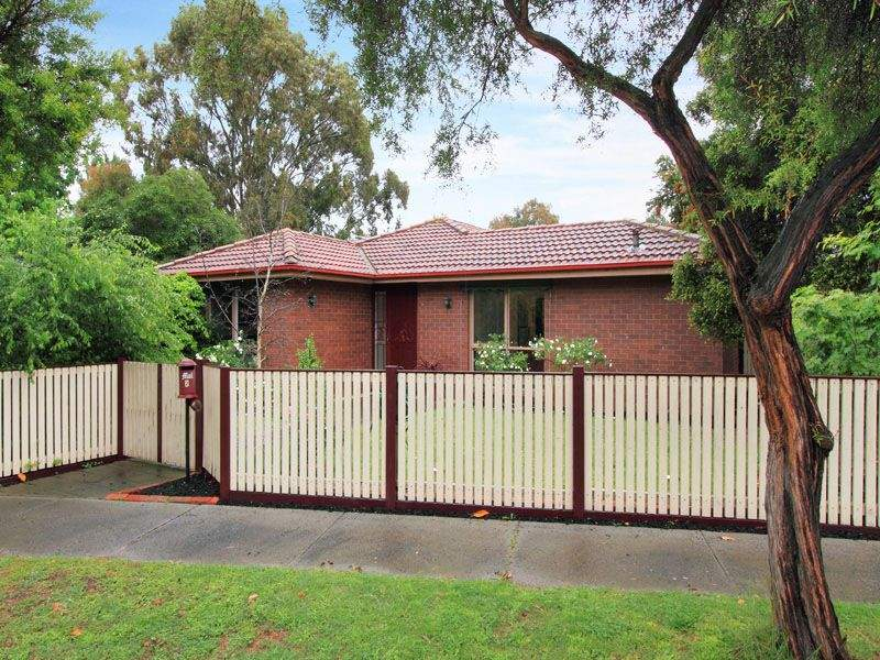 2 Metung Court, Dingley Village, Vic 3172