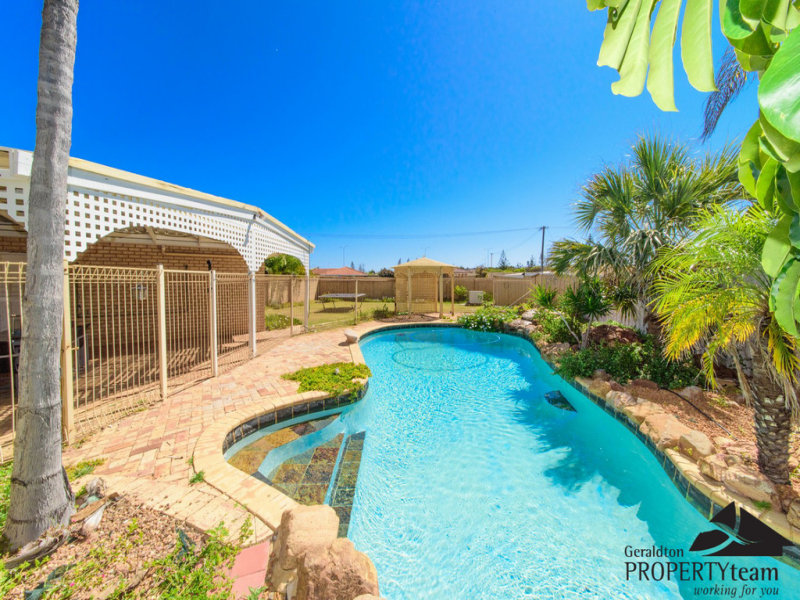 27 Glass Crescent, Mahomets Flats, WA 6530