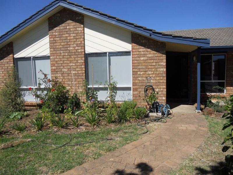 64 Lemon Road, Trott Park, SA 5158 - realestate com au
