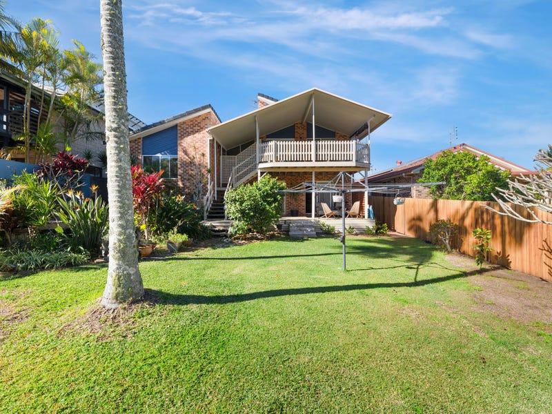 15 Arrawarra Road, Arrawarra Headland, NSW 2456