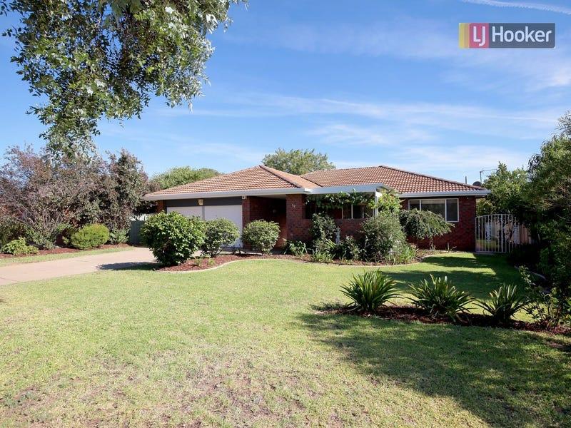 52 Undurra Drive, Glenfield Park, NSW 2650
