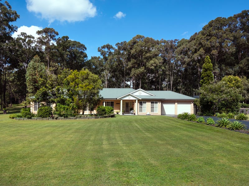 4 Diamantina Place, Wallalong, NSW 2320